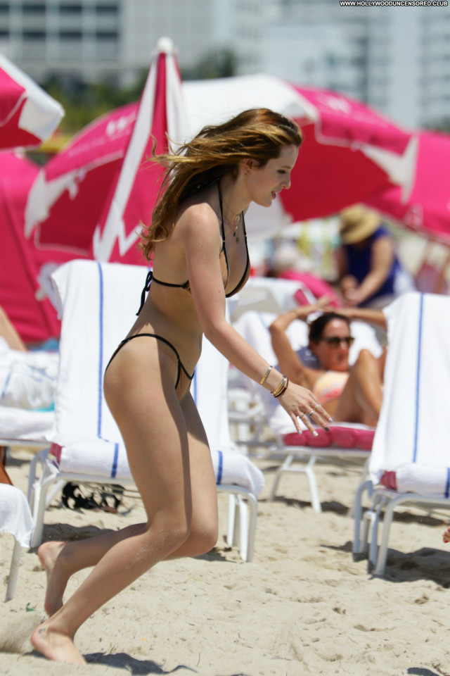 Dani Thorne Celebrity American Beach Beautiful Babe Posing Hot Hot