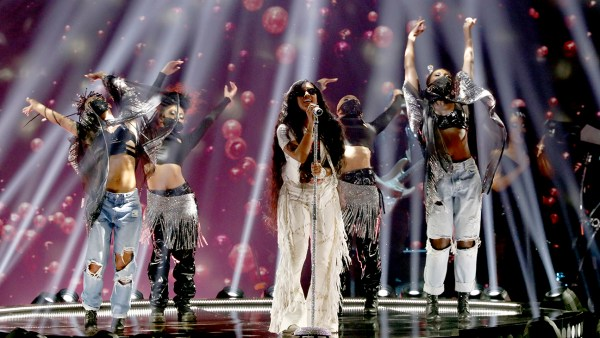 BET Award WINNERS 2021: H.E.R. performs at the BET Awards 2021.