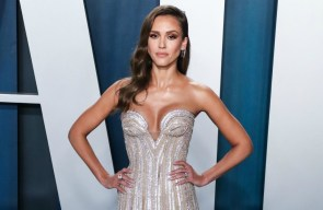 Jessica Alba has therapy with her daughter to learn how to 'communicate'