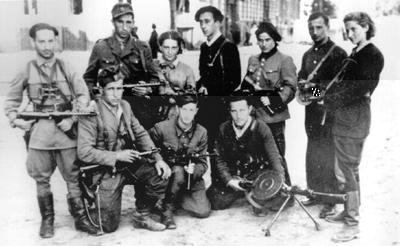 https://i2.wp.com/www.holocaustsurvivors.org/photos/vilna_partisans+large.jpg