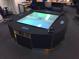 prototype table hologrammes