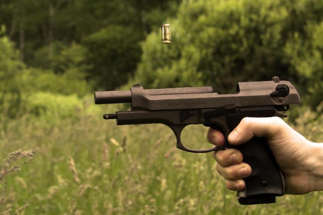 Glock 43 Vs. Desert Eagle: Which Is Best Suited For Military