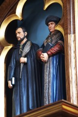 Martyrs_statues_2