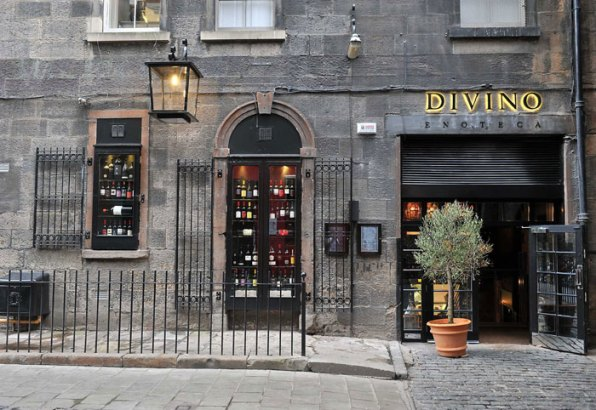 The front of Divino Enoteca