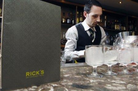 03-Ricks-Gallon-Cocktail-Sh