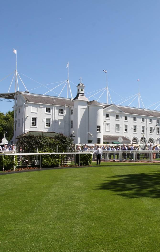 Hamilton Park Racecourse scoops three awards