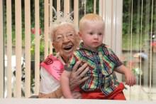 Bield Meg melvin 108th Birthday Dundas Court-6141