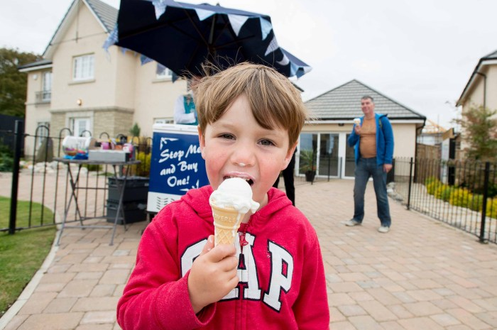Children had great fun getting their free ice cream thanks to CALA Homes.
