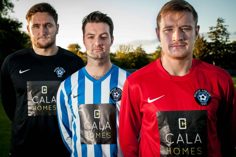 Proud to wear the CALA logo. Tema members celebrate news that renowned quality housebuilder CALA Homes is sponsoring Penicuik Athletic for a fifth consecutive year.