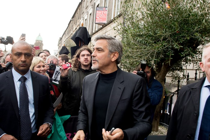 George Clooney visits Edinburgh, and lunches in Tiger Lily restruant in George St IN PIC................. (c) Lesley Garven/DEADLINE NEWS For pic details, contact Wullie Marr........... 07989359845