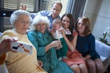 Spoof photo of Royal family posing as the Queen takes a selfie