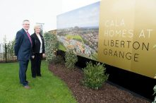 CALA Representatives, Jenny Thomson and Kirsty Summers join Councillor Keith Robson in the garden of one the new show homes at Liberton Braes (PR Photography: Wullie Marr)