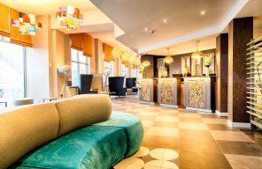 PR photo of the lobby and reception at Leonardo Hotel, Edinburgh