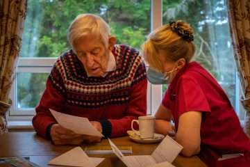 Social Care PR photography, American pen pals at Cramond Residence.