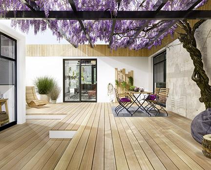 Holz- und Bambusdielen für die Terrasse