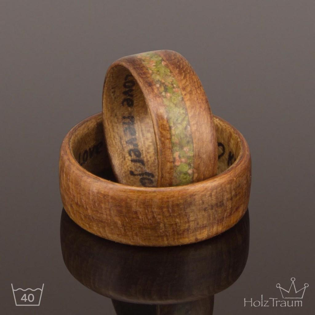 Bentwood Ring aus Mirabellenholz mit Inlay und Gravur