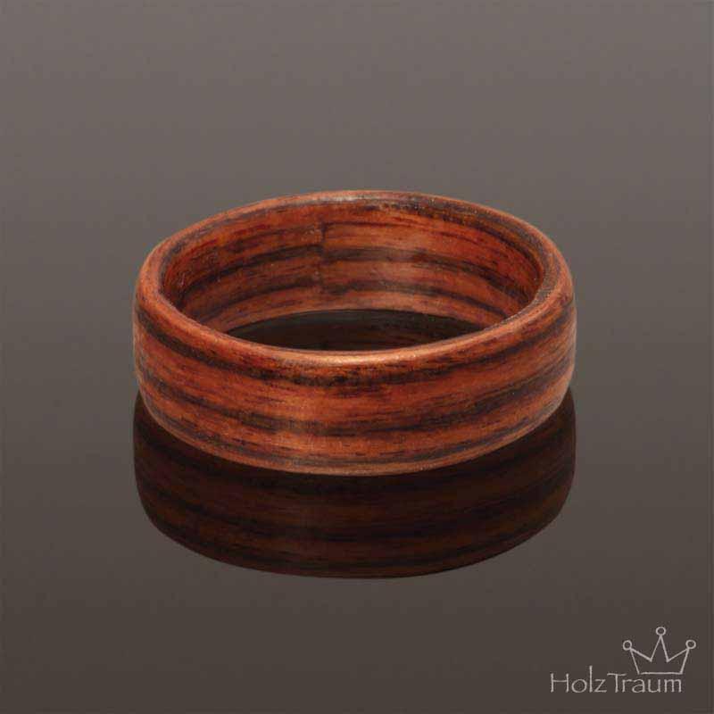 dunkelroter Holzring aus Rosenholz