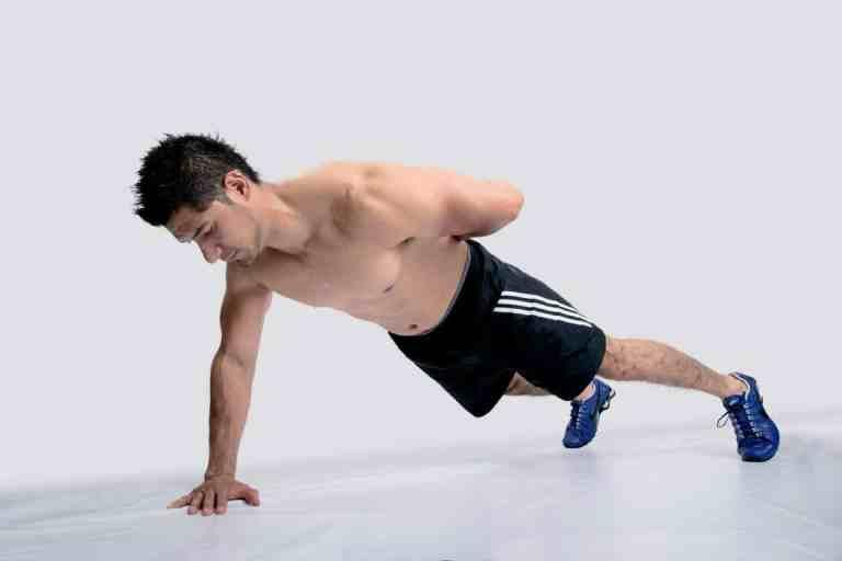 5 ejercicios sencillos para quemar la grasa del flotador
