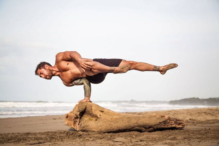 Core power yoga: 5 posiciones para fortalecer CORE y abdominales