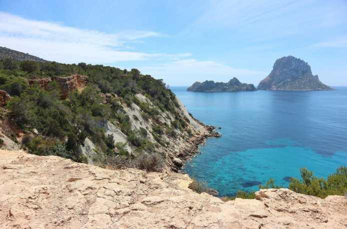 Playa, fiesta y turismo en la isla de Ibiza