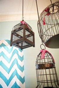 鳥かごを吊るすディスプレイ
