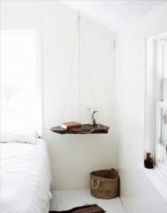 [snap]吊り下げられた板のサイドテーブル