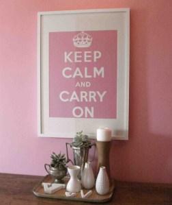 ポスターを飾る KEEP CALM AND CARRY ON