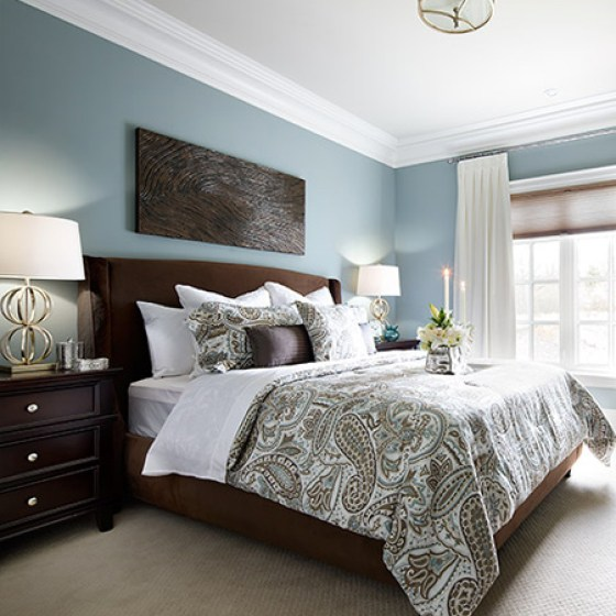 Spoil yourself with quality bed linens in plain colours or interesting patterns. Layering the bed with linens and cushions is an easy way to turn a plain bedroom into a luxurious retreat.