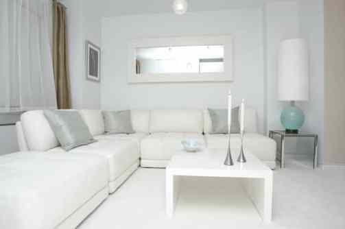 Arranging Sectional Sofa, Divan & Square Coffee Table Idea for Living Room Design - White