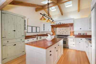 country kitchens with U-shaped kitchen design