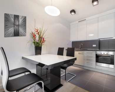 grey kitchen built to exacting standards