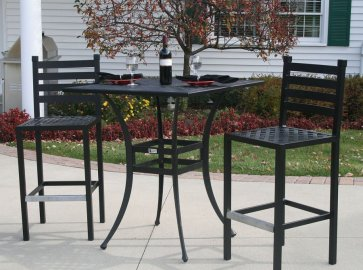 Tradisional Patio Bar Height Table and Chairs