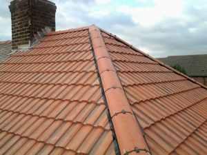 Replacing Slipped Or Broken Ridge Tiles Homeadviceguide