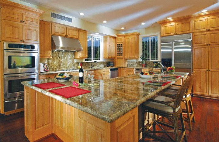 Canyon Creek Cabinets For A Eclectic Kitchen With Framed
