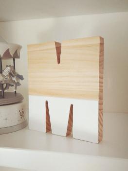 Letra de madera de pino color blanco M
