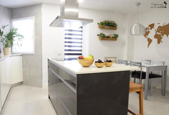 LA NUEVA COCINA DE ISA El antes y después de una cocina. de estrecha y lúgubre a amplia y luminosa