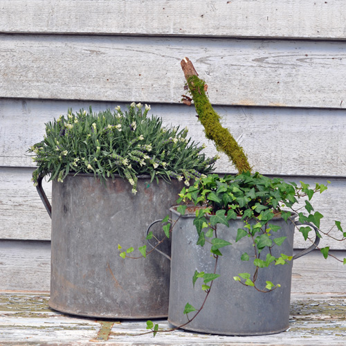 home-barn-galvinized-pots