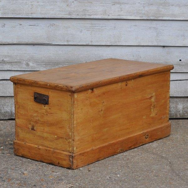 Homebarn-blanket-box-8