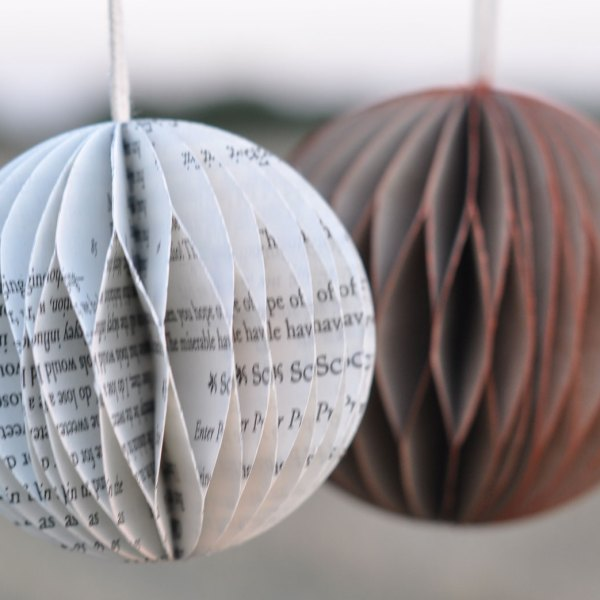 homebarn-book-paper-bauble