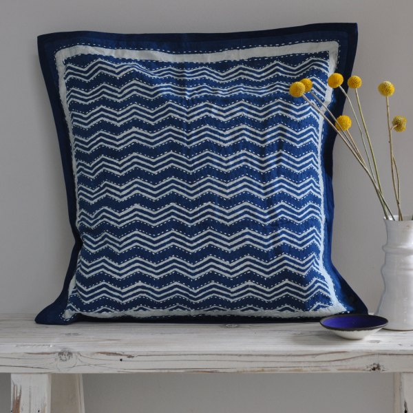 homebarn-indigo-square-pillow-3