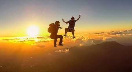 Why SKYDIVING Is Like Having a Home-based Business!