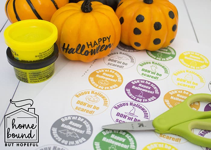 Not So Scary Halloween Book List- Dohn't Be Scared Halloween Play-Doh Tags