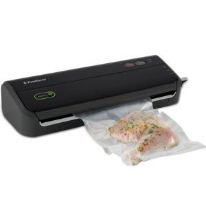 FoodSaver FM2000-FFP Vacuum Sealing System with Starter Bag/Roll Set, Black