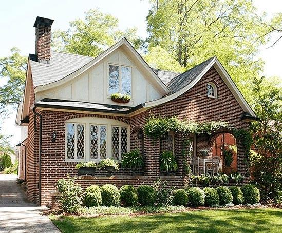 Tudor-Architectural-Style-3-min-e1506111423302