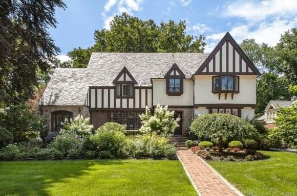 Tudor-Architectural-Style-4-min