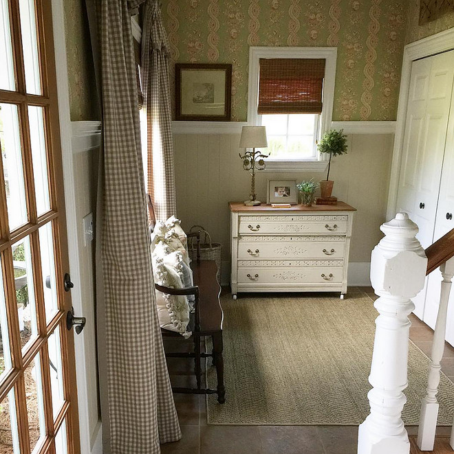 French Country Foyer. Home Bunch's Beautiful Homes of Instagram @blessedmommatobabygirls