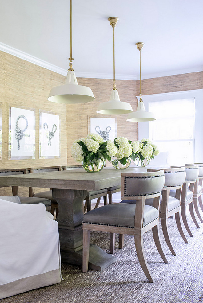 Dining Room Pendant Light Ideas. New lighting ideas for dining room. Use pendants instead of a chandelier for a modern and current look. Dining Room Pendant Light #DiningRoom #PendantLight Chango & Co.