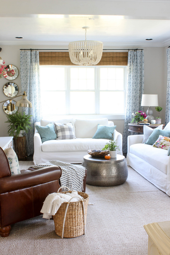 Neutral Living room Fall decor. Neutral Living room Fall decorating ideas. Living room Fall decor. Living room Fall decor. Living room Fall decor #Livingroom #Falldecor @laura_willowstreetinteriors