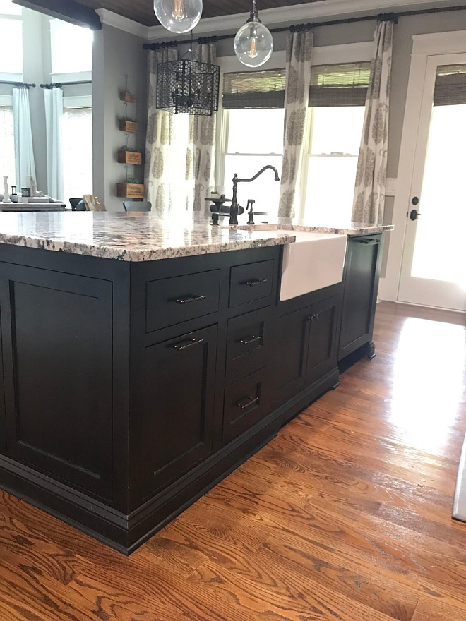 Black kitchen island color NGR spray stain in Brown. Black kitchen island color NGR spray stain in Brown. Black kitchen island color NGR spray stain in Brown. Black kitchen island color NGR spray stain in Brown. Black kitchen island color NGR spray stain in Brown #Blackkitchenisland #Blackkitchenislandcolor #NGRspray tain #Brown Home Bunch Beautiful Homes of Instagram @mygeorgiahouse
