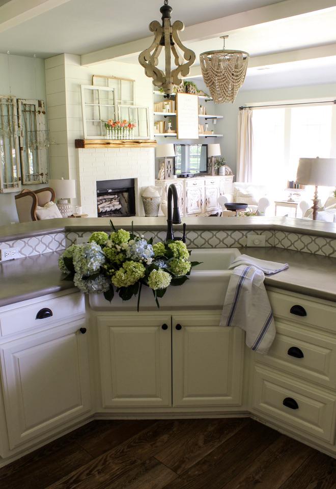 DIY Kitchen Countertop. DIY concrete countertops Kitchen countertop #diycountertop #diykitchencountertop #DIYconcretecountertop Home Bunch Beautiful Homes of Instagram @cottonstem